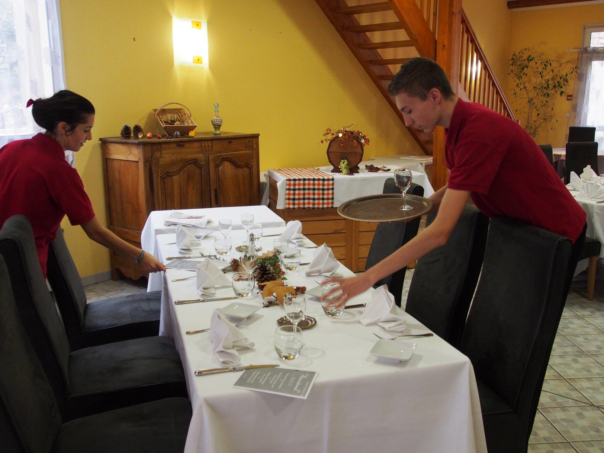 Bac pro csr ensemble scolaire priv saint joseph for Diplome restauration collective
